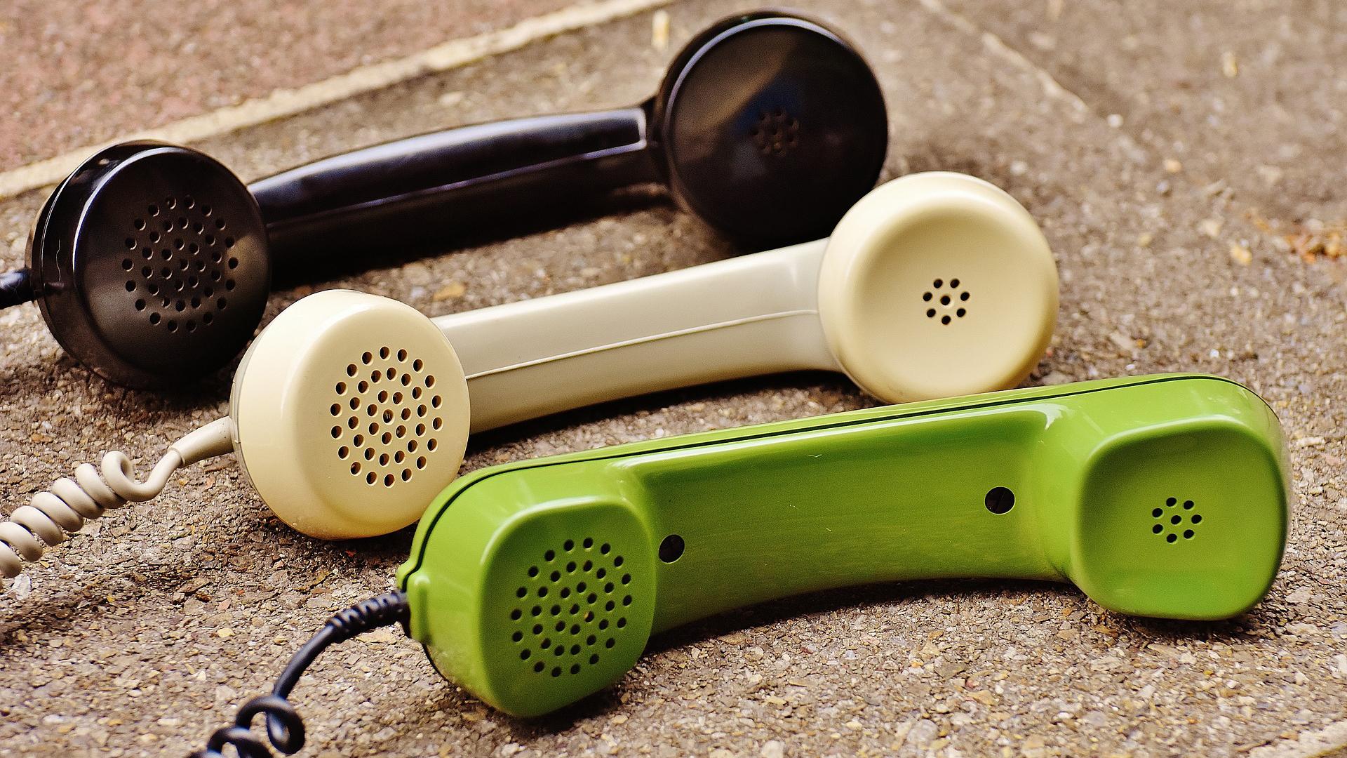 Was wettsch ghöre? Telefonbänkli für jeden Kreis